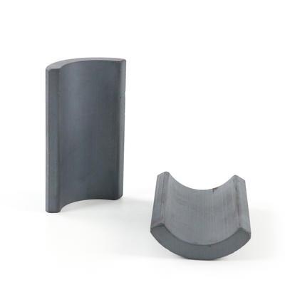Ferrite segment industrial strength permanent magnets